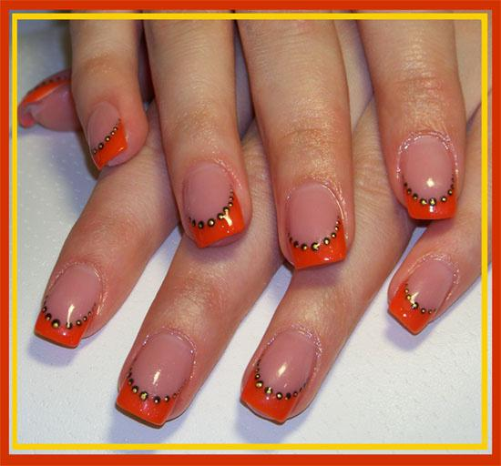 Гелевый френч на ногтях
