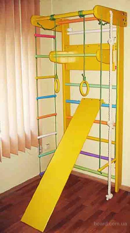 Цветные спортивные уголки для дома Львёнок и Умка