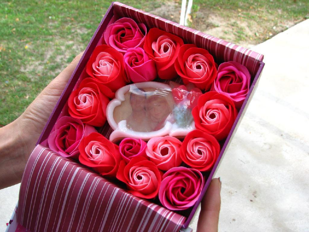 Топиарии, роспись ваз, букеты из конфет, мыло с фото, интерь.