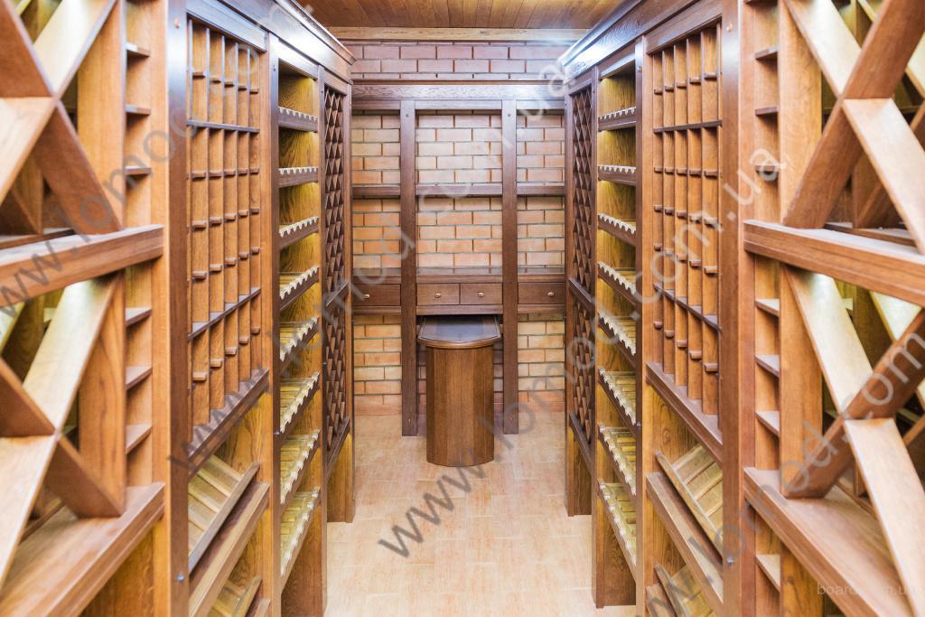 Деревянные винные стеллажи, оборудование для винного погреба. Харьков, Украина
