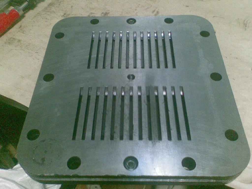 Клапанная доска, плита к компрессору поршневому. Возможен ремонт, восстановление.