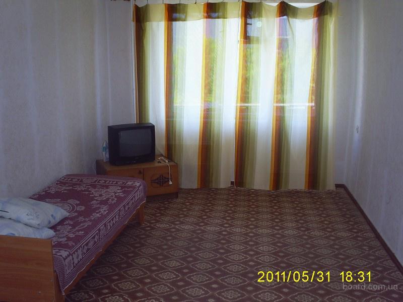 Продам квартиру-двушку на самом берегу моря-в пгт. Мирный (30 км. от Евпатории)