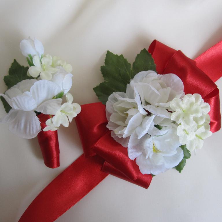 Бутоньерка своими руками из искусственных цветов