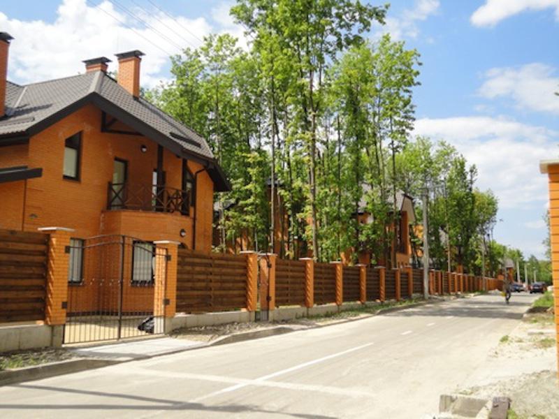 Дом в коттеджном городке Park House
