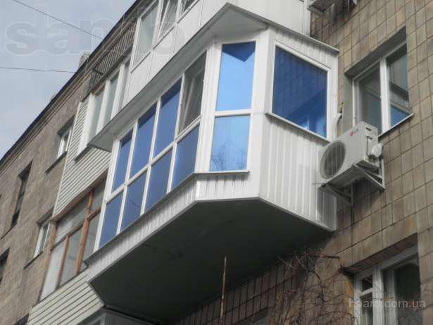 Защита окон первого этажа балкона.