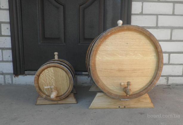 Дубові бочки для вина і коньяку та соління