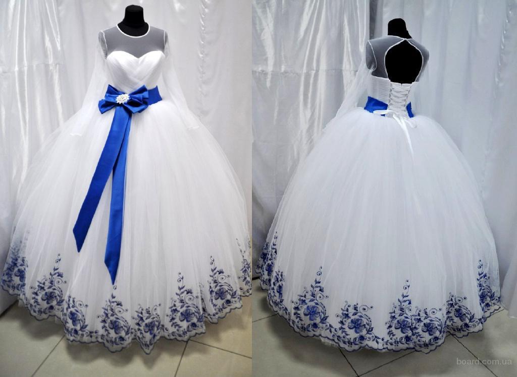И вечерние платья в украинском стиле