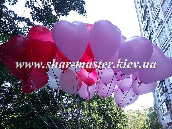 Воздушные шарики на 8 Марта в Киеве, фигуры из воздушных шаров, шарики с гелием.