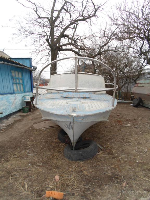 продать лодку бу украина
