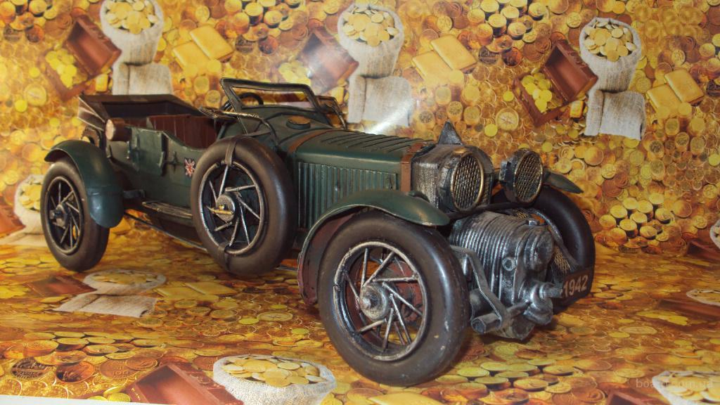 Автомобили сувенирные ручной работы