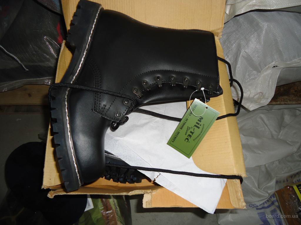 Рабочая обувь на вес. Б/у. Крем сорт (идеальное состояние и новая) . Микс 35 кг. Цена 8 €/кг.