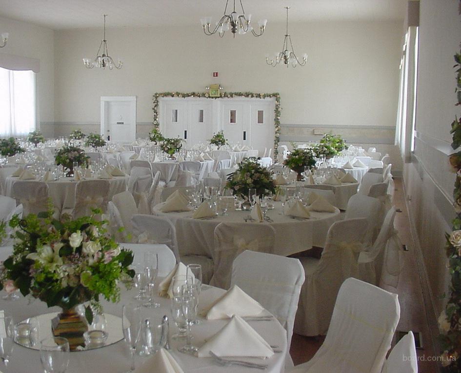 украшение свадебного зала искусственными  и живыми цветами