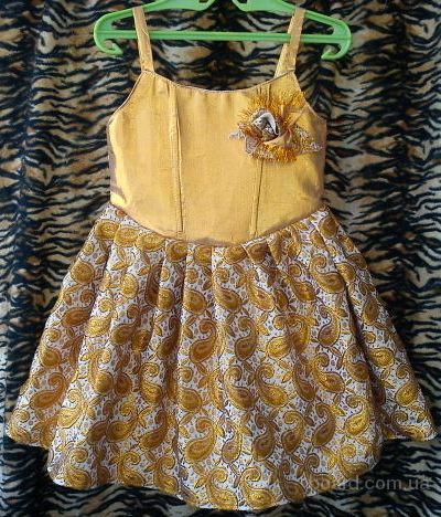 Продам детские нарядные платья для
