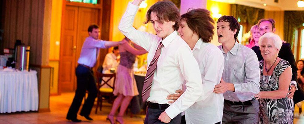 Сальса на Подоле (Контрактовая) Студия латиноамериканских танцев Aguа!