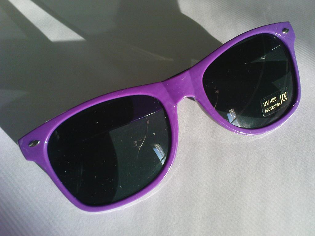 Очки солнцезащитные классические в цветных оправах