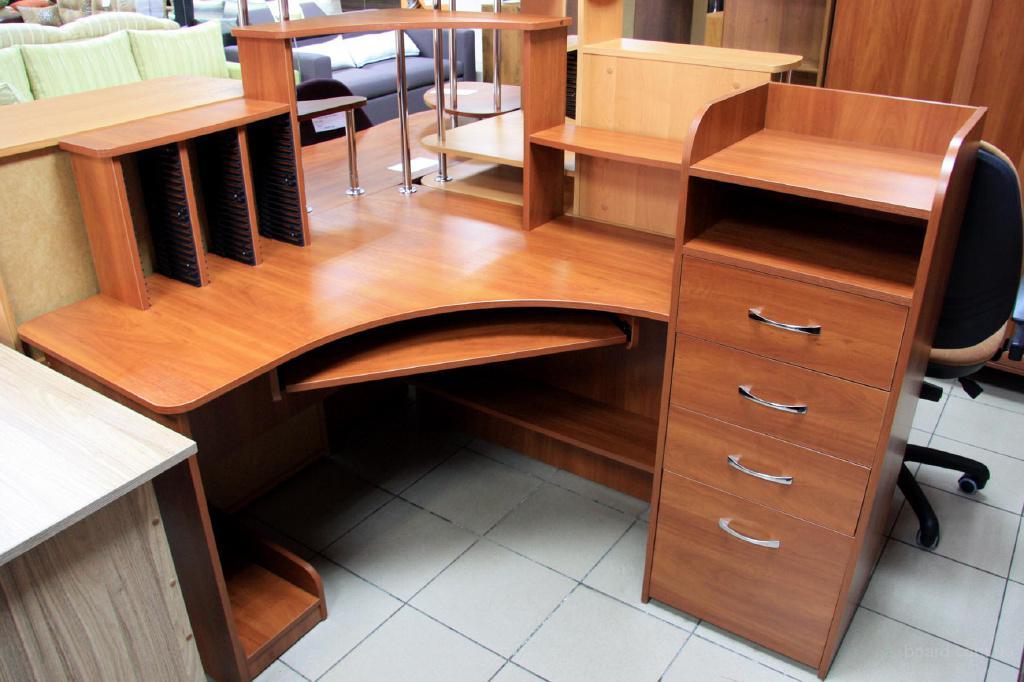 Компьютерный стол с тумбой с 225, продам, состояние новое ки.