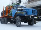 Урал лесовозный тягач