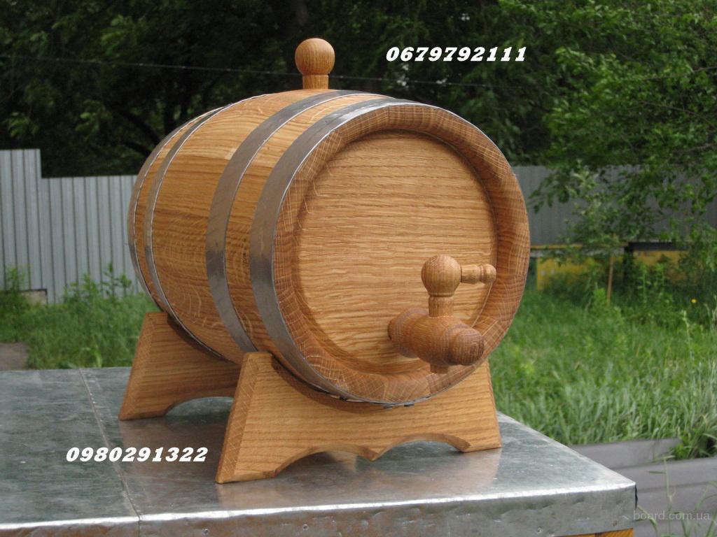 Для вина, коньяка дубовые бочки.