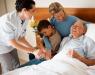 сиделки. Медицинский патронаж престарелых людей и уход за больными