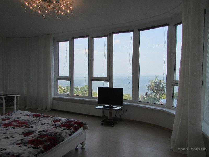 Сдам  панорамную  2-х комнатную квартиру парк Шевченко.