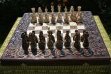 Предлагаем нарды, шахматы из дерева с резьбой.