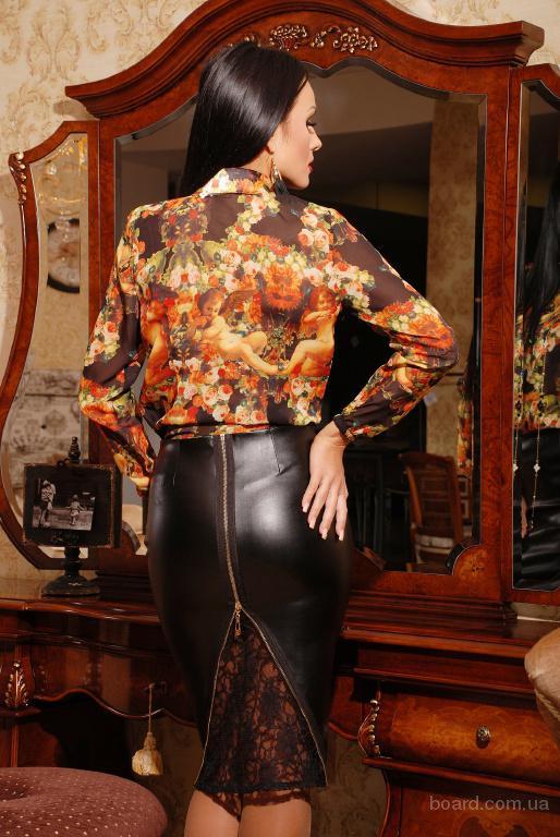 Женская юбка из искусственной кожи.