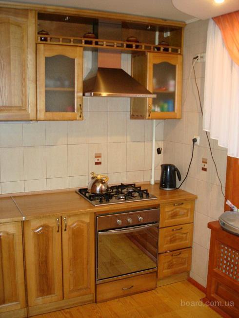 Кухни эконом класса из натурального дерева без примесей МДФ и ДСП под заказ в Запорожье