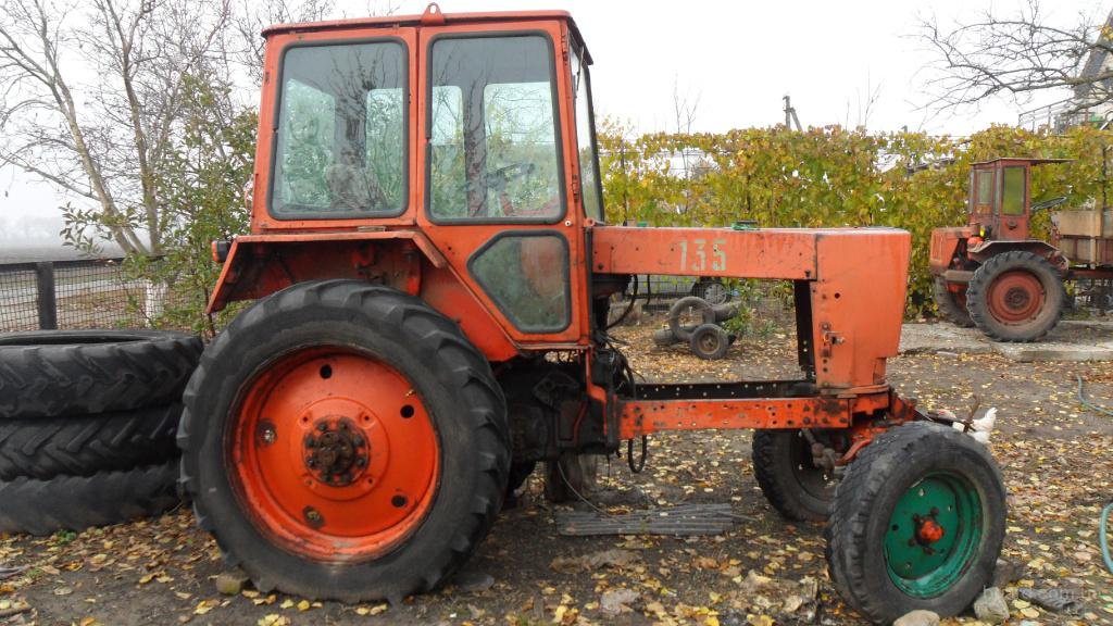 Трактор колёсный New Holland Т 8040 купить. Трактор.