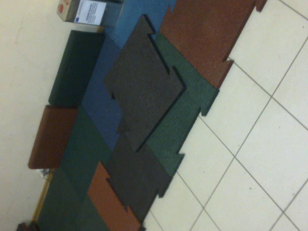 Покрытия резиновые для площадок