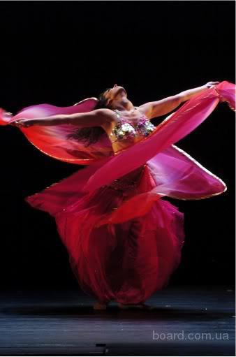 Індивідуальне навчання східним танцям.
