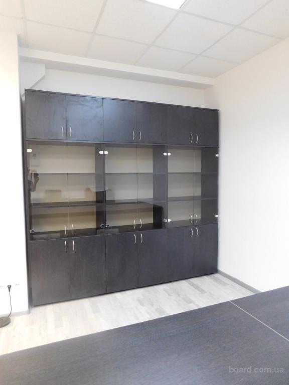 Деловой офисный шкаф продам  недорого Киев