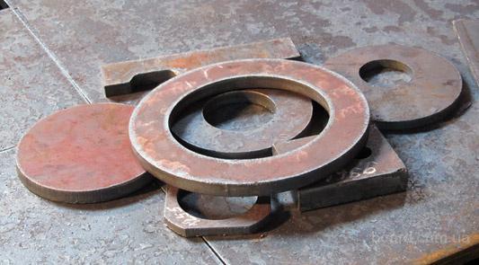 Раскрой листового металла t-10-200 мм.