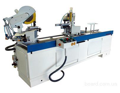 Toskar WM-300  Автоматический двуголовочный станок для порезки профиля и фрезерования под соединительные элементы