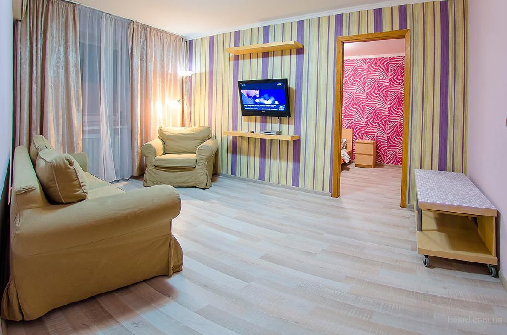 Двухкомнатная квартира посуточно Киев бул. Леси Украинки 10