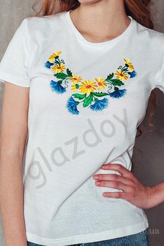 Футболка с украинской вышивкой женская