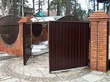 """Компания """"Гефест"""" предлагает качественные и надежные ворота из профлиста."""