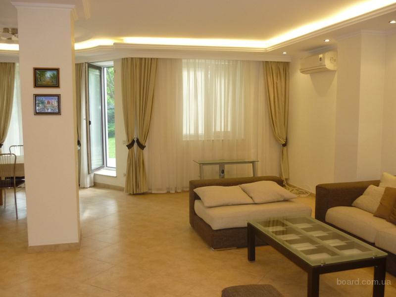 Долгосрочная аренда светлого современного дома для семьи на ул. Долгая