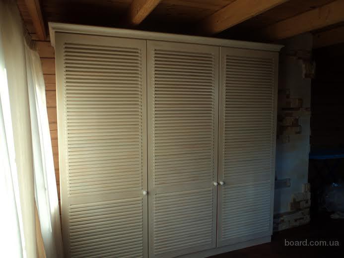 Шкафы из дерева