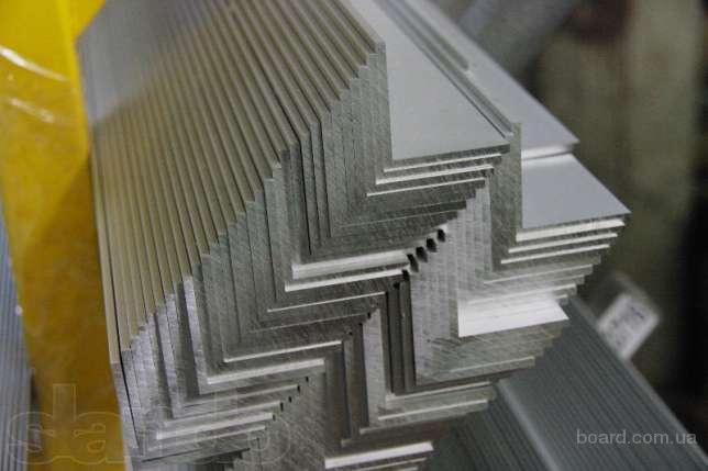 Уголок алюминиевый не равнополочный из сплавов АД31 (ENAV-6060), АД31Т1  (ENAV-6063)