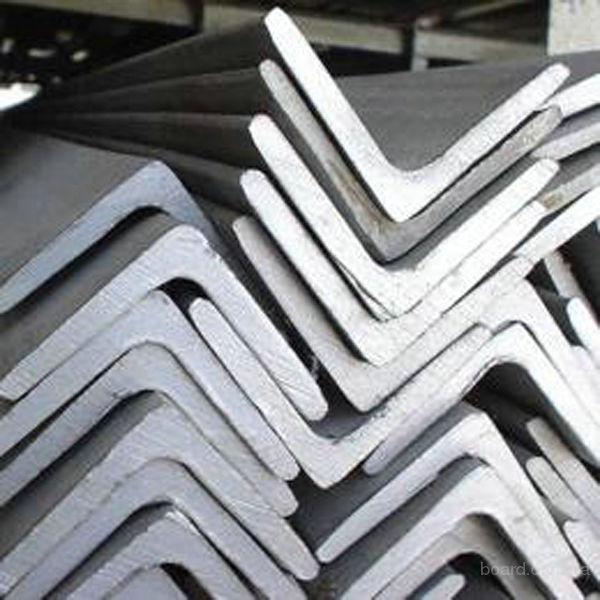 Уголок алюминиевый равнополочный из сплавов АД31 (ENAV-6060), АД31Т1  (ENAV-6063)