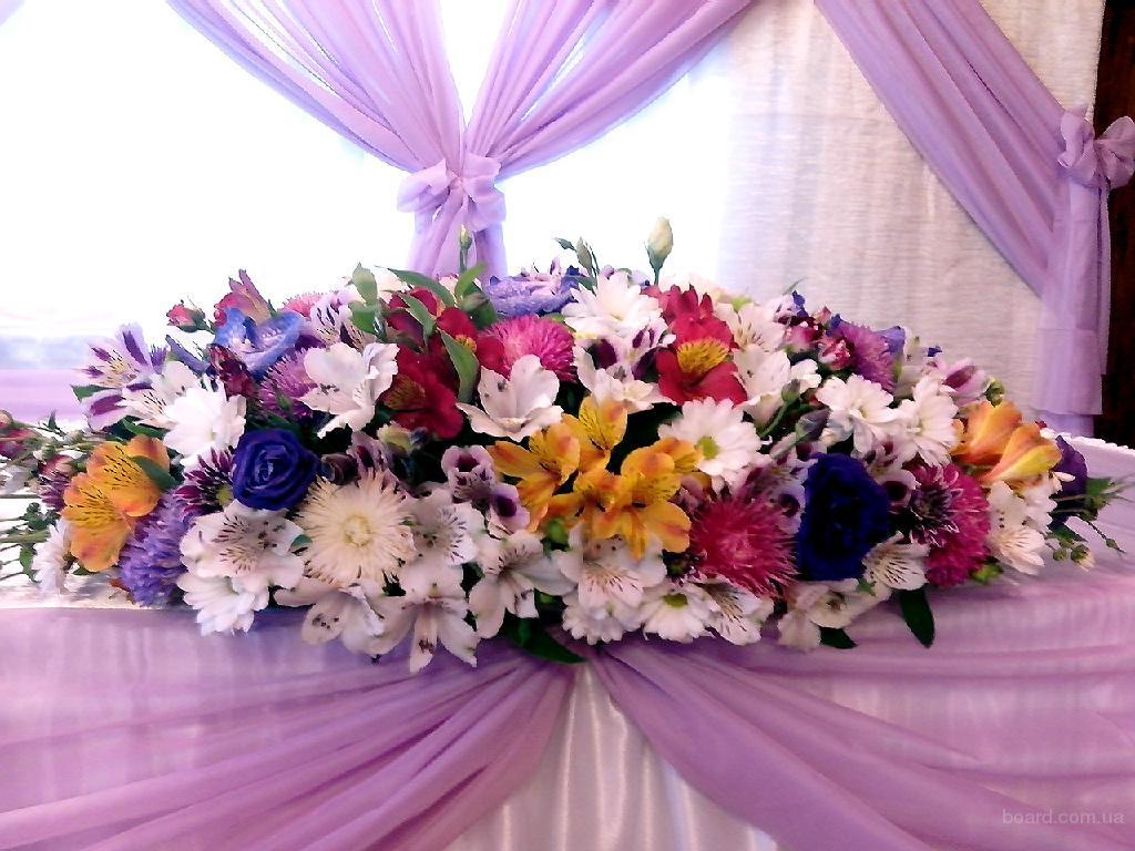 Аренда стойки с цветами