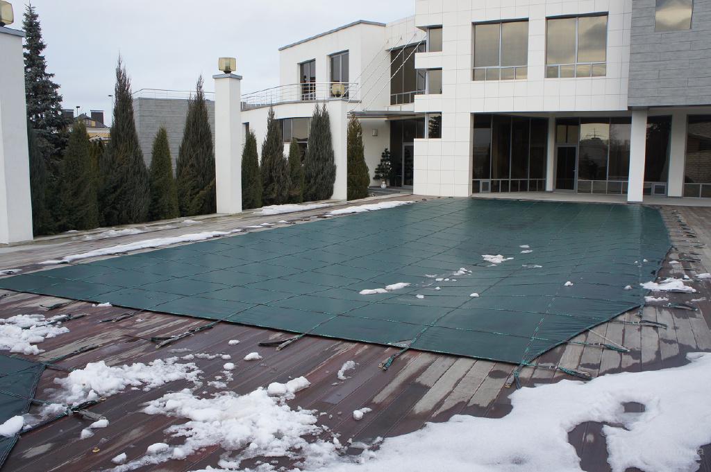 Зимнее накрытие для консервации бассейна