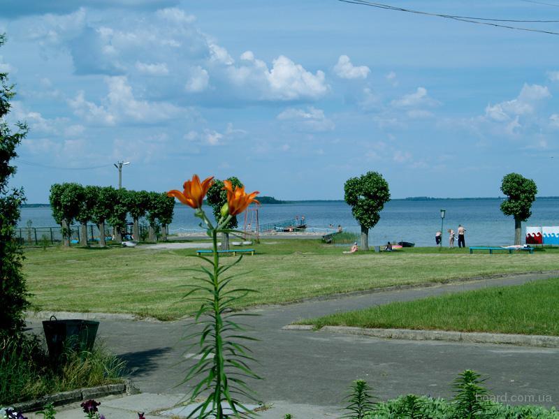 """Відпустка на Шацьких озерах від бази відпочинку """"Галицький двір"""""""