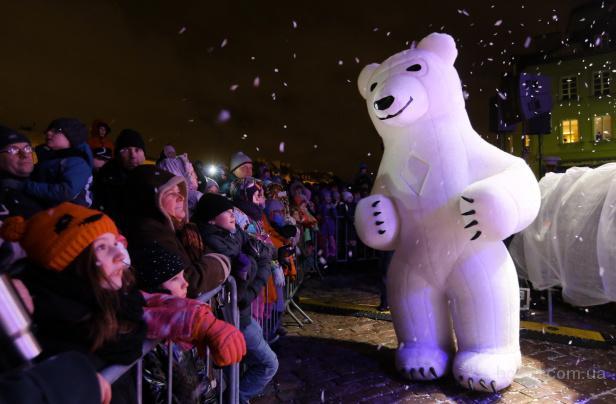Белый медведь-Ростовая кукла на праздник. Заказать у нас очень просто!