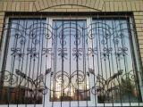 Металлические решетки на окна, балконы и двери