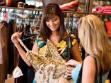 Требуется продавец – консультант в магазин одежды
