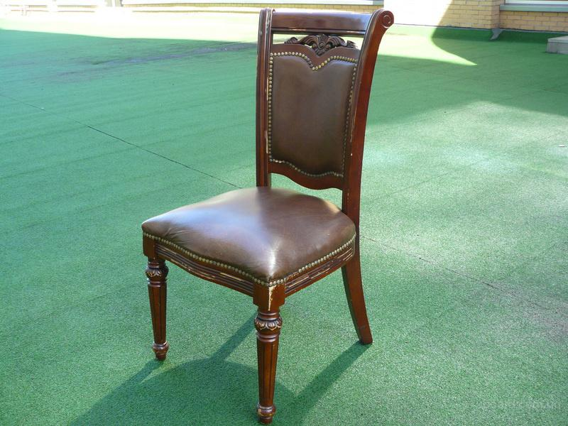 продам деревянные стулья б.у. с мягким сиденьем и спинкой для кафе, бара, ресторана, общепита