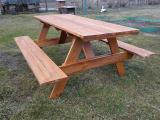 Продам недорого дачную деревянную мебель, садовый деревянный стол с лавками