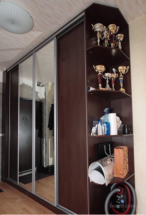 Отдельно стоящие шкафы купе под заказ в Киеве