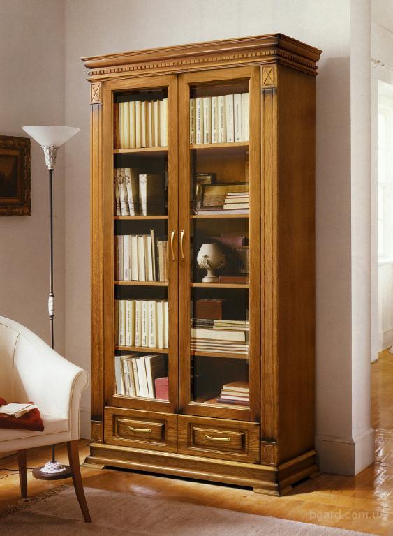 Книжные шкафы из дерева